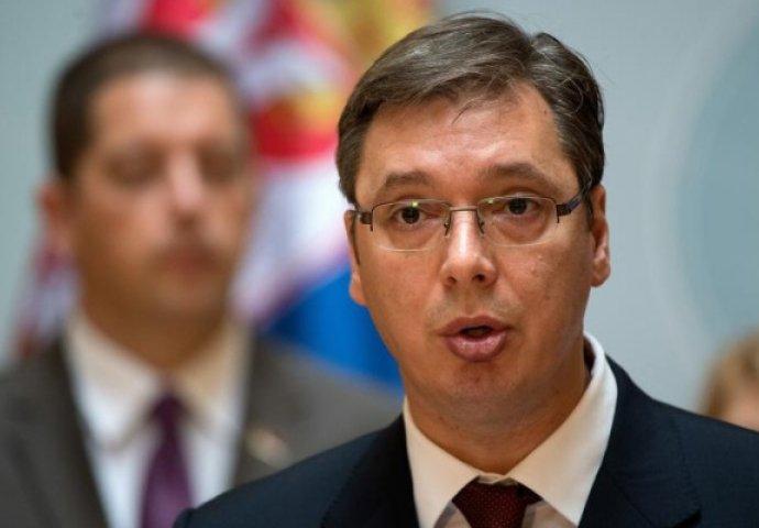 OVO SU RODITELJI ALEKSANDRA VUČIĆA: Predsjednik Srbije ozbiljno liči na  majku! (FOTO) | Balaševizam